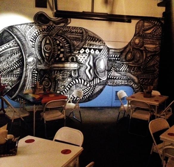 El Garage Urbano murals